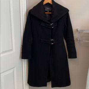 Stunning black coat - XS 70% wool